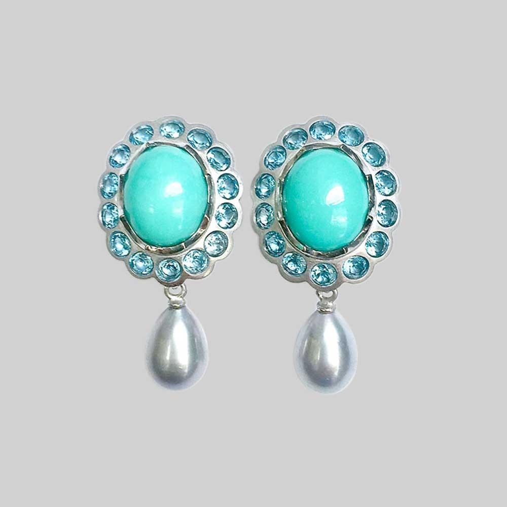 Blaue Ohrringe mit Perlen von Thomas Pohl