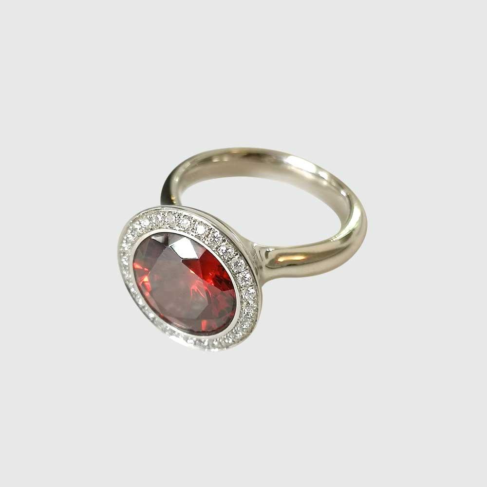 Silberring mit rotem Stein von Thomas Pohl